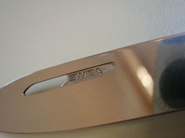 Swiza D03 Red, Logo